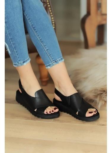 Pembe Potin A047-20 Kadın Sandalet Siyah